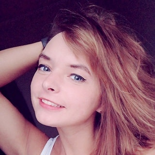 Алиса Звонова
